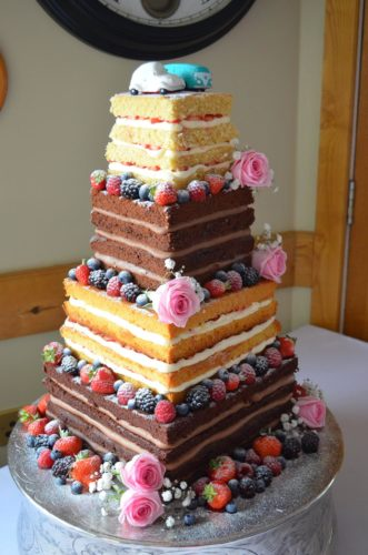 square naked wedding cake