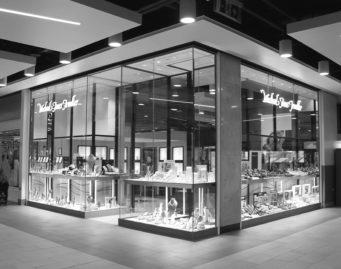 Shop front of Michael Jones Jewellers in Northampton and Banbury