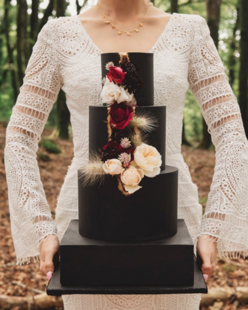 Black wedding cake by luxury wedding cake maker, Claire's Sweet Temptations in Cornwall