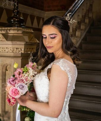 Killer Contourz is a wedding makeup artist in Northamptonshire offering wedding makeup packages along with wedding makeup tutorials and hair extensions.